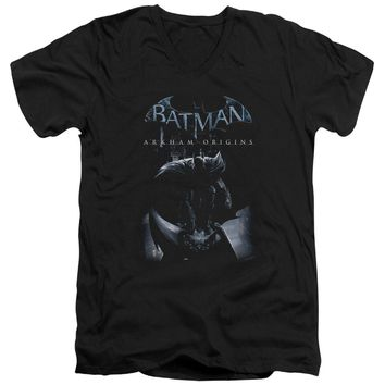 Batman Arkham Origins - Perched Cat Short Sleeve Adult V Neck