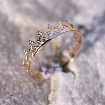 14K Solid Gold Crown Ring, Princess Ring, Tiara Stacking Ring, Game of Thrones, Unique Engagement Ring, Delicate Gold Ring