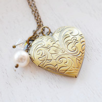 Heart Locket Necklace,Romantic Keepsake Locket Pendant,Bridesmaid Locket Gift,Brass Locket Necklace,Flower Locket Pendant,Gift for Her,BFF