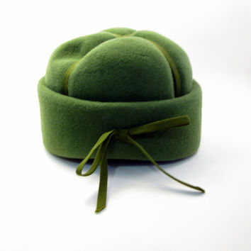 Vintage Avocado Felt Wool Hat - Green/Olive Pillbox style - 1950s - Fall or Autumn Wedding - Mayberry - Tea Party