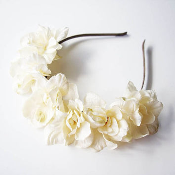 Creamy White Floral Headband. White Floral Headpiece. Lana del Rey. Spring flowers. Hair Crown. Floral Crown