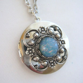Blue Fire Opal Locket, Silver Locket Necklace, Antique Locket, Blue Opal Jewelry, Filigree Necklace, Lockets, Silver Locket