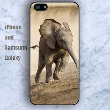 Running elephants colorful iPhone 5/5S Ipod touch Silicone Rubber Case, Phone cover