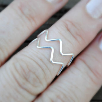 Wire Ring, Wire Wrapped Ring Finger Chevron Non Tarnish Silver Plated Wire 2 Rings