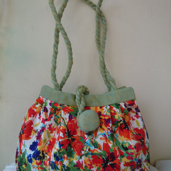 "Flowered bag, red flowers, light green, casual chic and trendy, hand bag and shoulder bag, ""Manon"" Hand made in France"