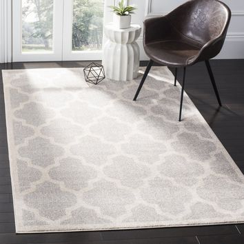 Safavieh Amherst Indoor / Outdoor Light Grey / Beige Rug (4' x 6')