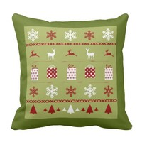 Christmas Sweater Pattern, white, red on green Pillows