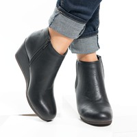Distressed Wedges Booties - Black