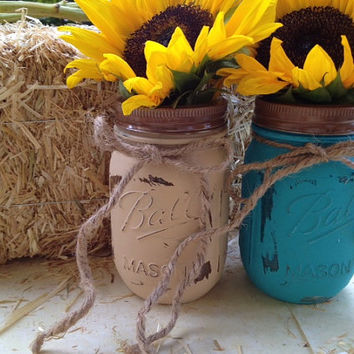 Painted distressed mason jars, wedding decor, centerpiece, rustic wedding, country wedding, housewares, home decor, fall decor, flower vase