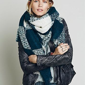Free People Womens Killington Oversized Plaid Scarf