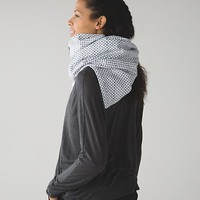 vinyasa scarf *fleece | women's accessories | lululemon athletica