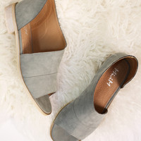 Royale Flats In Stone