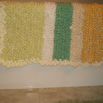 Ready to be shipped /Handmade Knitted Cottage Summer Rag Rug