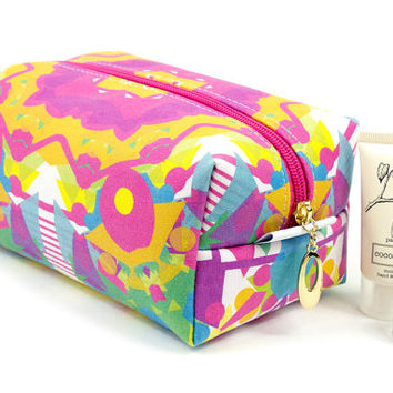 Large make up bag in exclusive Punto Belle designed fabric 'Circus' toiletries case, waterproof lining