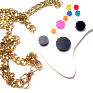 acrylic gamer controller necklace, glitter, geekery, geek girl, geek fashion