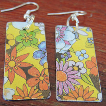 Funky & Cool Mod Tin Floral Earrings - Hippy 1960's Print