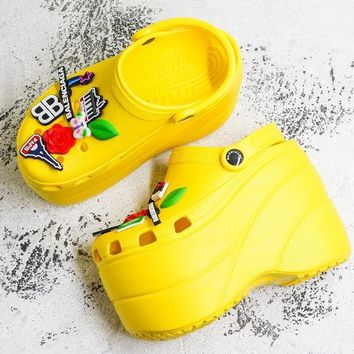 Balenciaga Yellow Foam Platform Sandals Crocs Charms Embellished Resin Wedge Clogs With Spikes - Best Deal Online