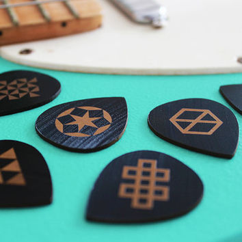 Lasercut Guitar Picks from Vinyl Records