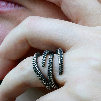 Beautiful octopus ring sterling silver tentacle claw adjustable ring by Zulasurfing