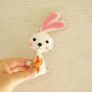 Stuffed Easter Bunny with Carrot PATTERN,Sew by Hand Felt Softie, PDF, Plush Bunny Pattern Est-Eng, Easy