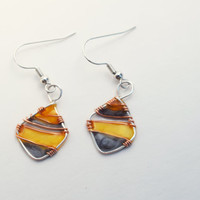 Dangle resin earring. Resin Jewelry. Silver Wire Jewelry. yellow Grey Summer. Gifts for her. nickel free handmade jewelry, dangle and drop