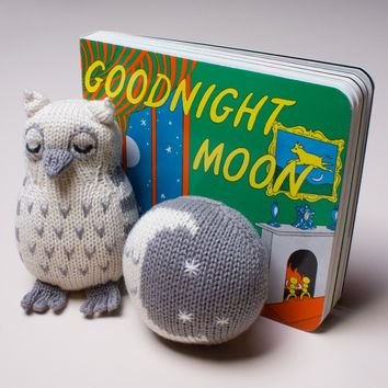 Organic Cotton Baby Gift Set - Moon Baby Rattle, Good Night Book & Owl