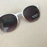 NWT Steve Madden White & Gold Women's Sunglasses