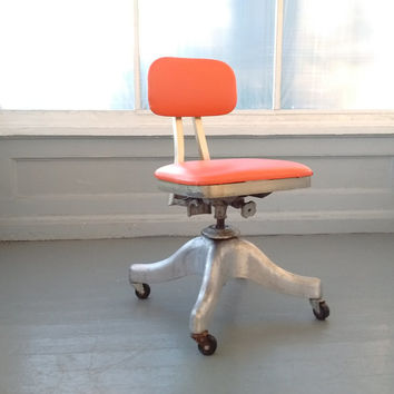 Vintage Shaw Walker Tanker Chair, Office Chair, Swivel, Rolling Chair, Mid Century Modern, Industrial