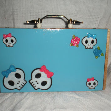 skulls and bows cigar box purse by madebymandy35 on Etsy