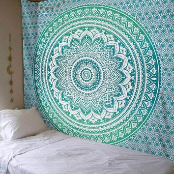 2017 New Tapestry Indian Mandala Tapestry Hippie Decoration Wall Hanging Tapestries Boho Bedspread Blanket Bed Table Cloth