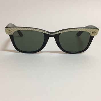 1970'S B&L RAY BAN BLACK/GOLDEN BROWN STRIPED WAYFARER SUNGLASSES