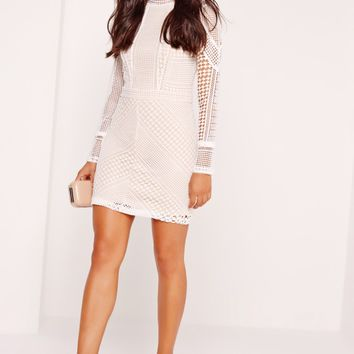 Missguided - Premium Structured High Neck Lace Mini Dress White