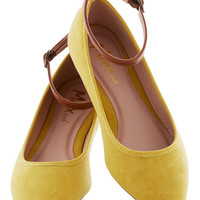 ModCloth Colorblocking Baker's Dozen Flat in Lemon