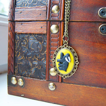 Harry Potter Hufflepuff Cameo Necklace by CraftyTeapot on Etsy