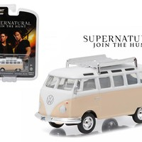 "1964 Volkswagen Samba Bus Rainbow Motors\Supernatural"" TV Series (2005 Current) 1/64 Diecast Model by Greenlight"""