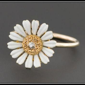 CREYUG7 ON SALE Antique Pin Conversion Ring | 10k Gold & Diamond Daisy Ring | Diamond Daisy Fl