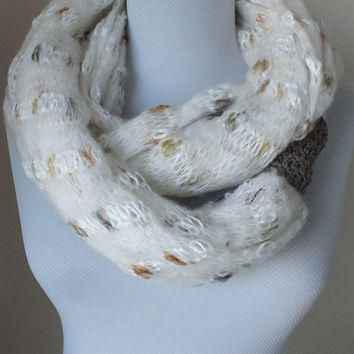 SCARF // Handmade Infinity Eternity Scarf Wool knitting Scarves Wool Fashion Neckwarmer Circle Necklace Chunky Cowl cream taupe grey scarf