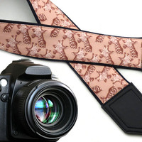 InTePro Giraffe camera strap. Beige camera strap. DSLR / SLR  Camera accessories. Durable, light and padded camera strap.