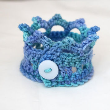 Crochet Jewelry, Crown Cuff, Bracelet with Button, Ocean, Light Blue, Aqua, Mint Green, Gifts Under 10, Style Accessories - READY TO SHIP