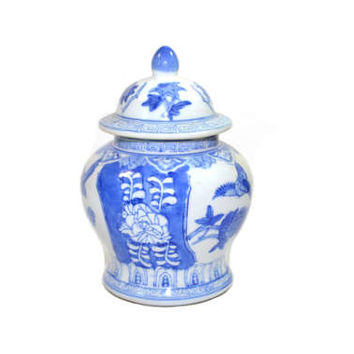 Vintage Blue and White Ginger Jar Vintage Ginger Jar Medium Ginger Jar Blue and White Ceramic Jar Chinoiserie Decor