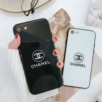 Chic Chanel Print In Black & White IphoneX 8 8 Plus 7 7 Plus Cover Case