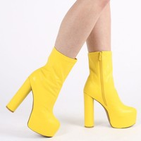 Jessa Chunky Boots in Yellow