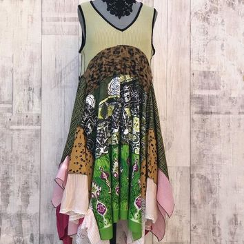 Upcycled Country Dress green jadel, Patchwork, Boho, Hippie, Vintage Embroidery & Lace, Meadow Flowers, Rostic Art, Recycled Clothing M / L