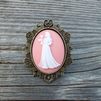 Victorian Cameo Brooch Pendant Sleeping Beauty Aurora Disney Princess Carriage Setting