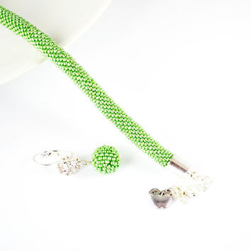 Bracelet metallic green Jewelry, Bracelets, Beadwork