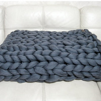 Super Chunky Blanket. Giant Knitted Merino Wool Throw. Super Bulky Yarn. Grande Punto. FASHION TREND - BIG stitch blanket by woolWow!