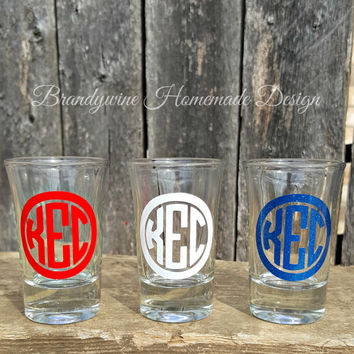 Set of 3 Monogrammed Shot Glasses, Shot Glass, Liquor Glass, Monogram Glass, Glitter Vinyl, Birthday Gift, Stocking Stuffer, Barware