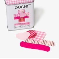 Ouch™ Sweetheart Bandages