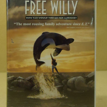 WB Free Willy VHS Movie  * Plastic * -- Used