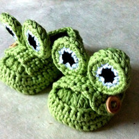Green Frog Baby Moccasins by beliz82 on Etsy
